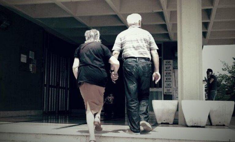 Milano, anziani muoiono mano nella mano dopo 50 anni di matrimonio