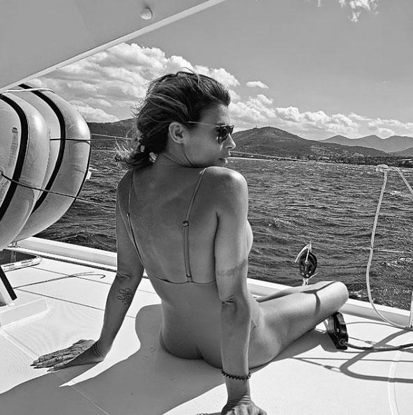 Elisabetta Canalis in barca