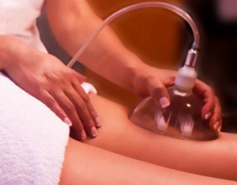 Vacuum terapia per rimuovere la cellulite