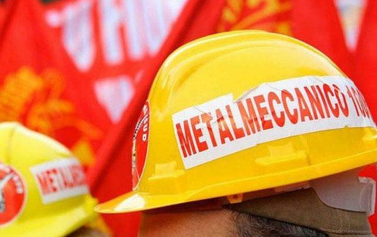 operai in sciopero metalmeccanici