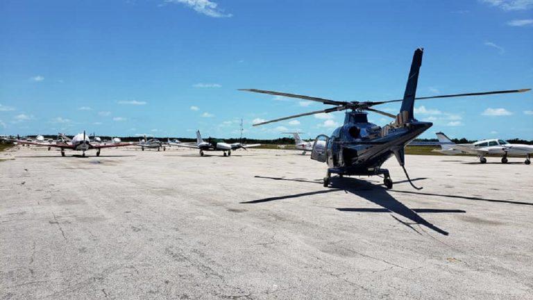 Bahamas, precipita un elicottero: 7 vittime, tra loro c'è Chris Cline