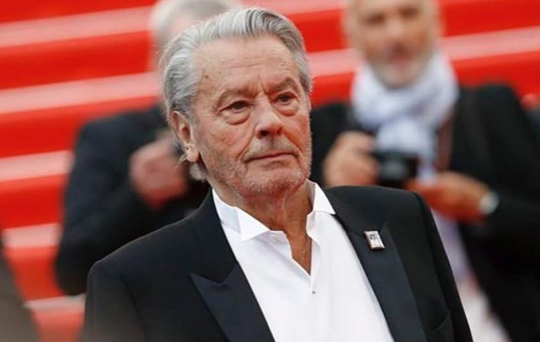 Alain Delon in una clinica svizzera: