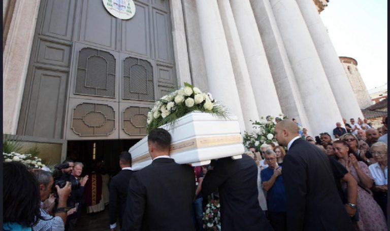 funerali nadia toffa