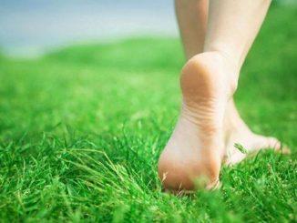 funghi ai piedi sintomi
