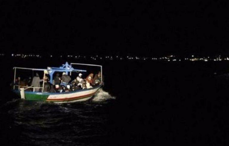 lampedusa sbarco migranti nella notte