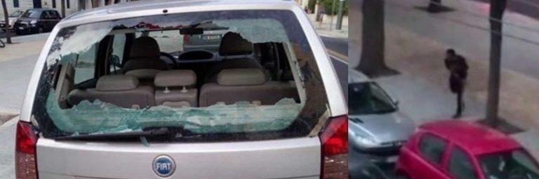lecce distrugge auto