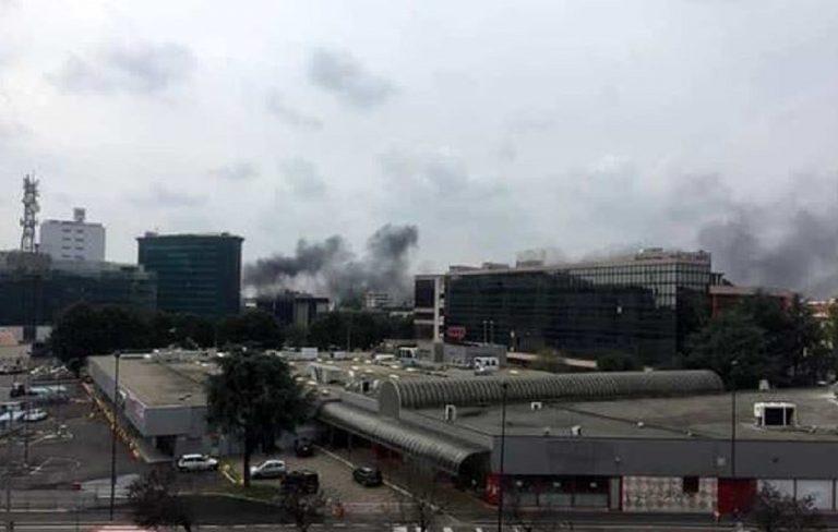 Milano incendio deposito Atm