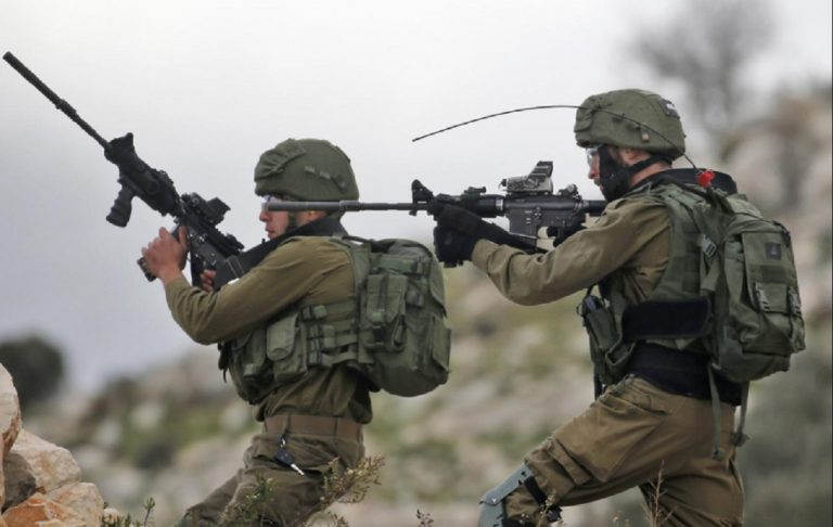 Palestinesi al confine fra Gaza ed Israele, sventato attacco