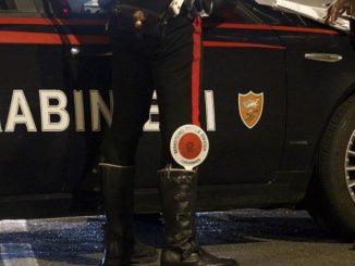 Milano, prima spara e rapina una prostituta: poi tenta il suicidio