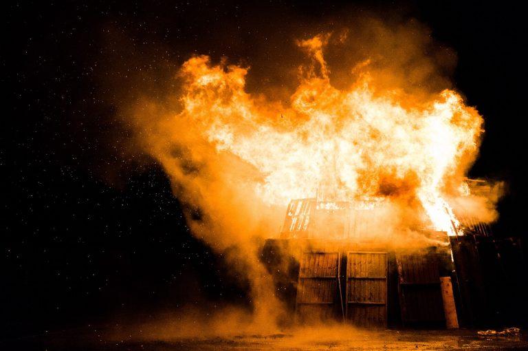 Incendio a Trezzano, nuove testimonianze
