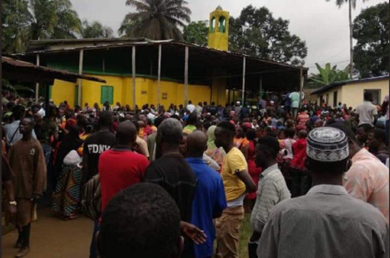 incendio scuola liberia