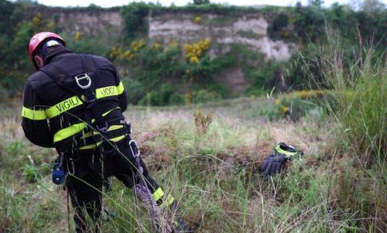 Neonato trovato morto scarpata Bolzano