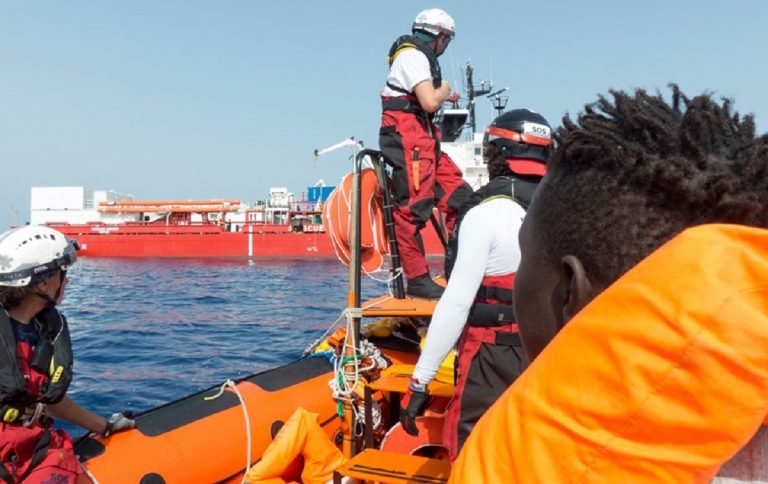Ocean Viking migranti