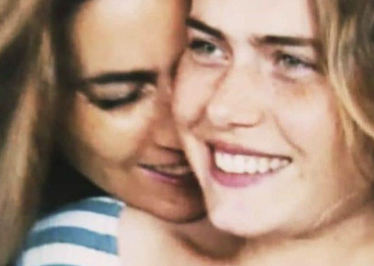 Ylenia e Romina Power appaiono sorridenti