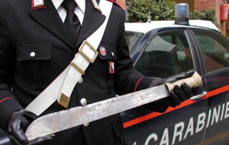 Uomo aggredito machete