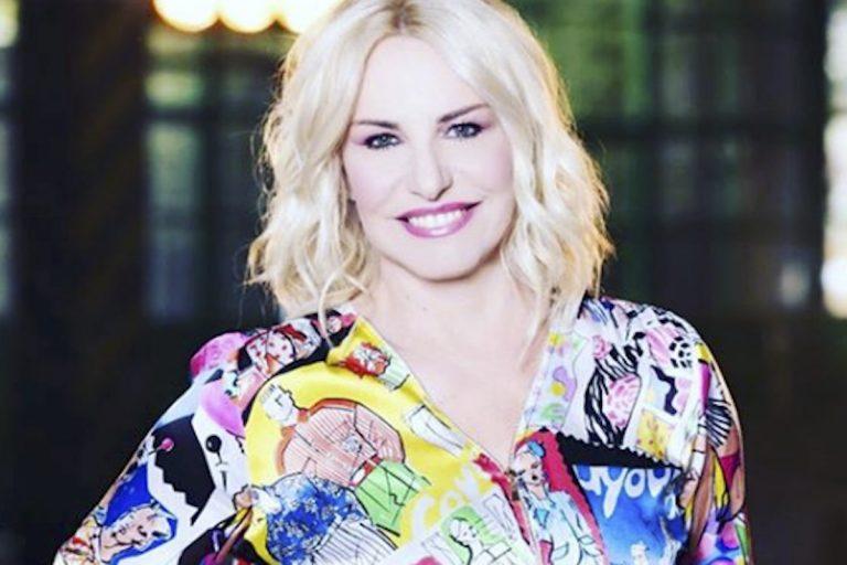 Antonella Clerici capelli castani