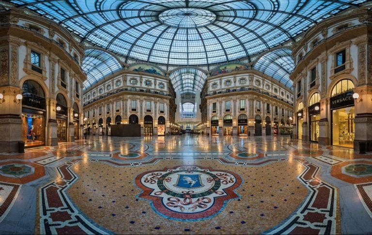 Milano, asta record in Galleria.