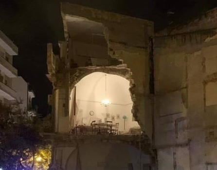 crolla una palazzina ad Andria
