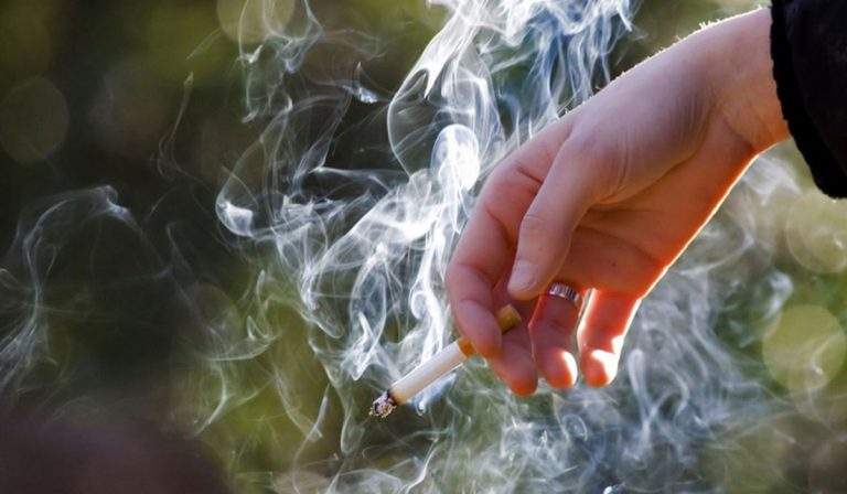 manovra tassa fumo