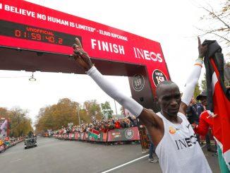 Kipchoge, nuovo record mondiale: maratona in meno di due ore