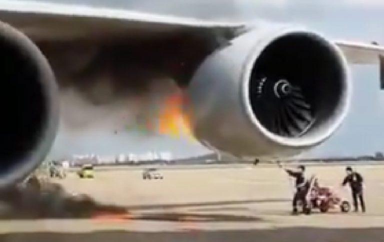 Motore aereo prende fuoco
