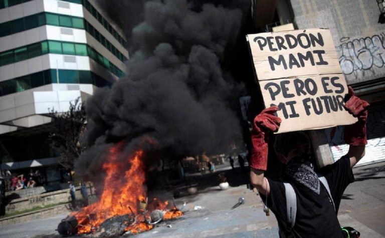 proteste in cile manifestanti
