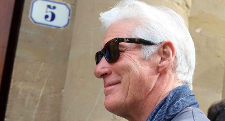 Firenze, giornata fiorentina per Richard Gere: l'attore visita gli Uffizi