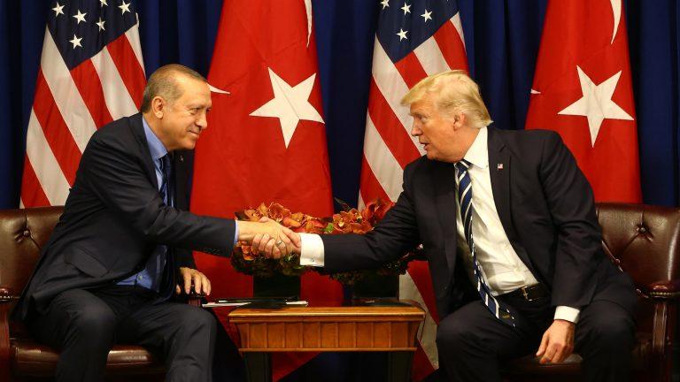 E ora Trump si è messo a minacciare la Turchia