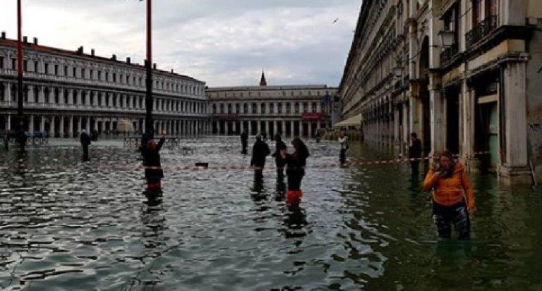 Acqua alta Venezia picco