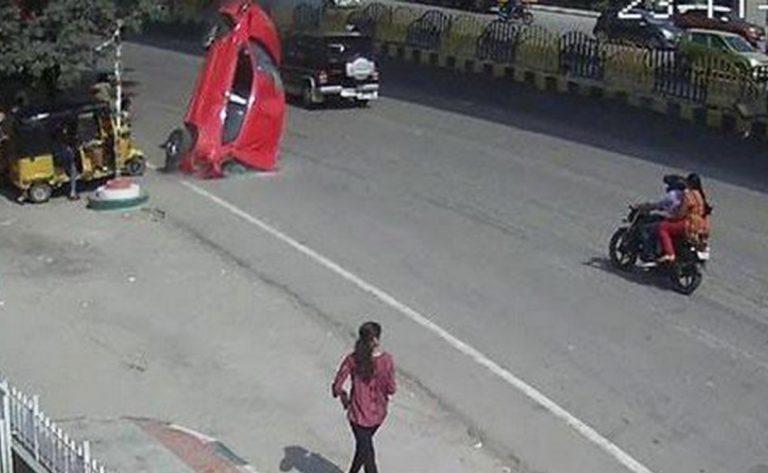 auto-viadotto-india