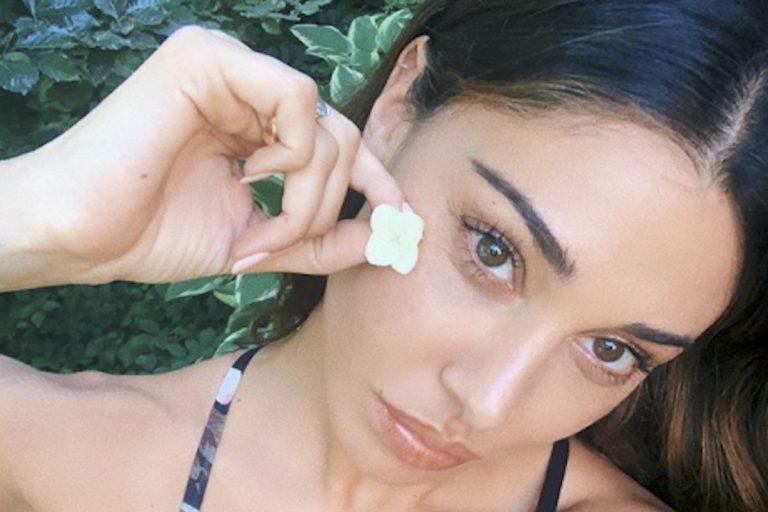 Belen Rodriguez seno senza chirurgia