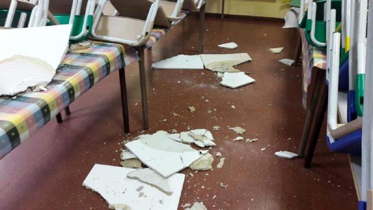 cade controsoffitto scuola sardegna