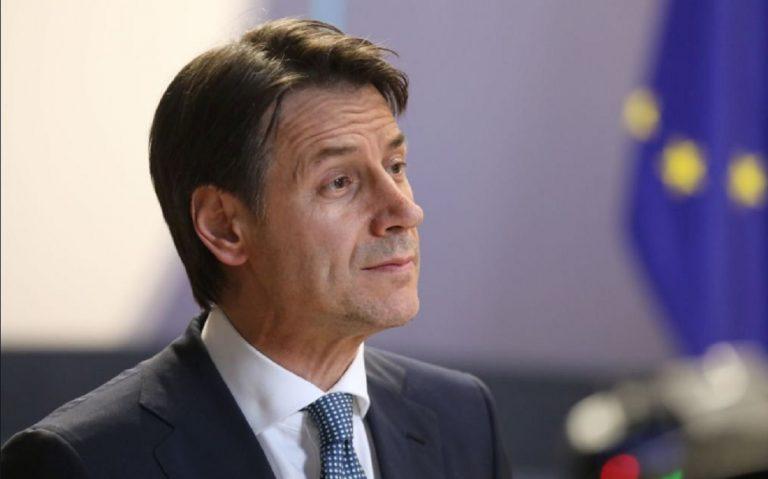 Manovra: Renzi, tassa auto non ci sarà, avanti così