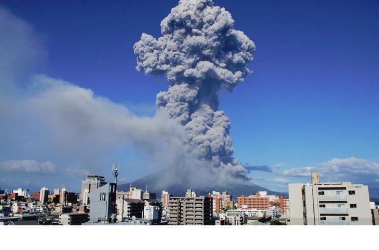 Eruzione vucano Sakurajima