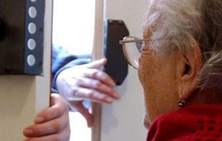 ladro-anziana-lecce