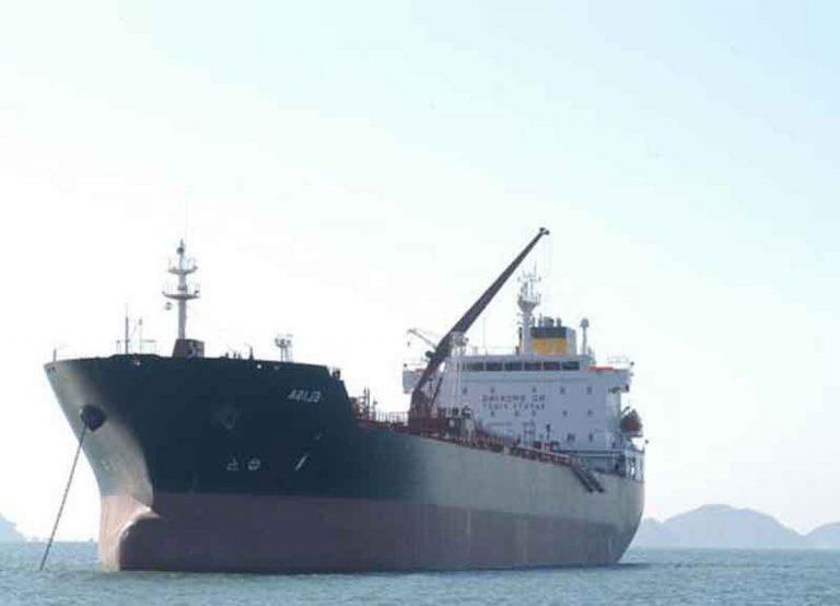 nave italiana attaccata da pirati