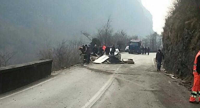 Schianto auto camion Vicenza