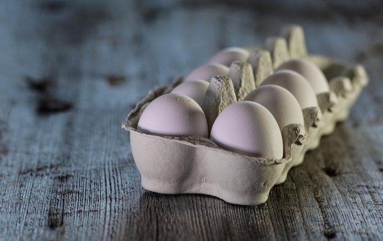 Muore dopo aver mangiato 42 uova