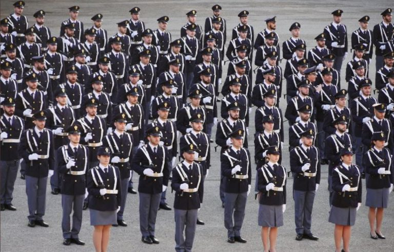aspiranti allievi agenti polizia manifestazione roma