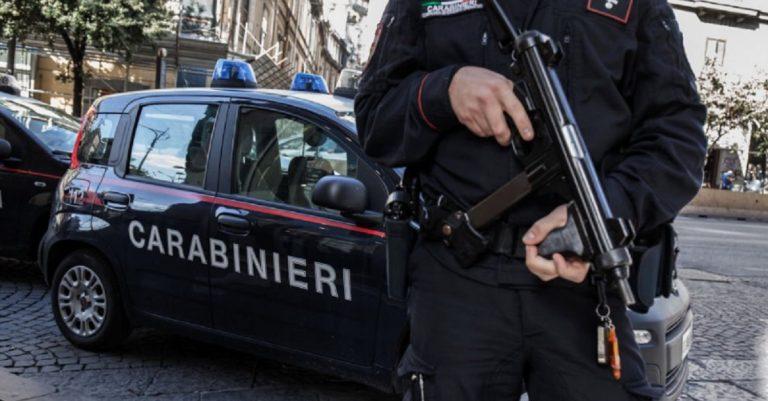 blitz carabinieri Napoli
