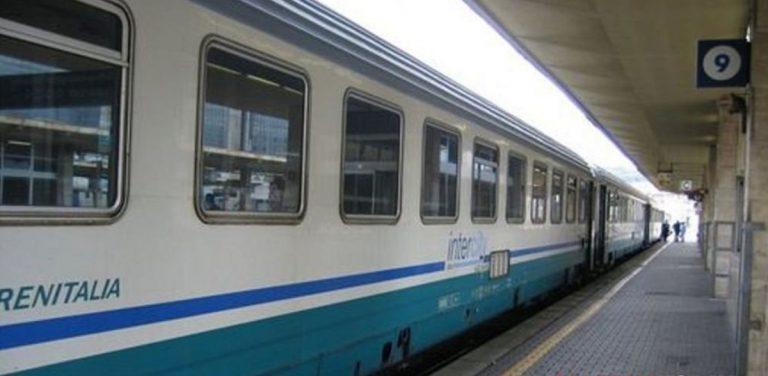 caos a bordo del treno