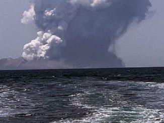 erutta vulcano nuova zelanda