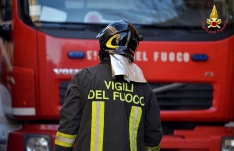 incendio palazzo bologna