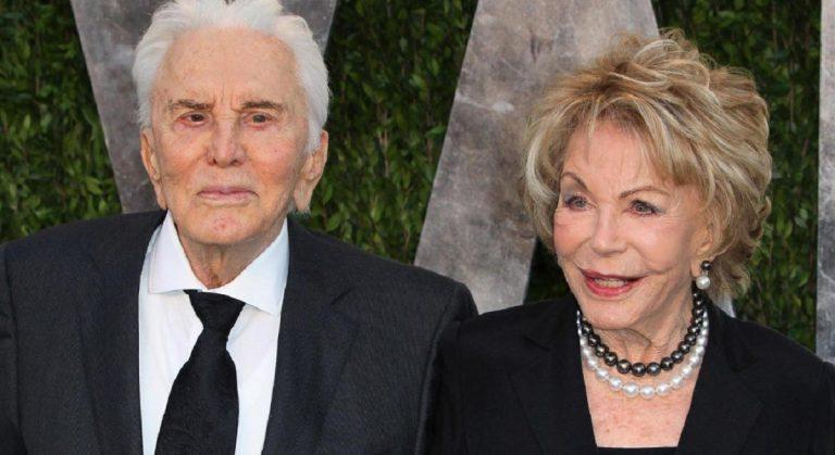 Il premio Oscar Kirk Douglas compie 103 anni