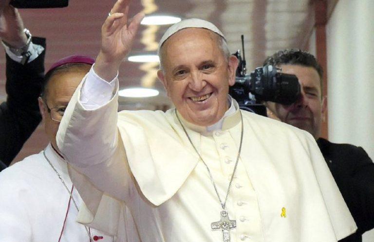 papa francesco operato
