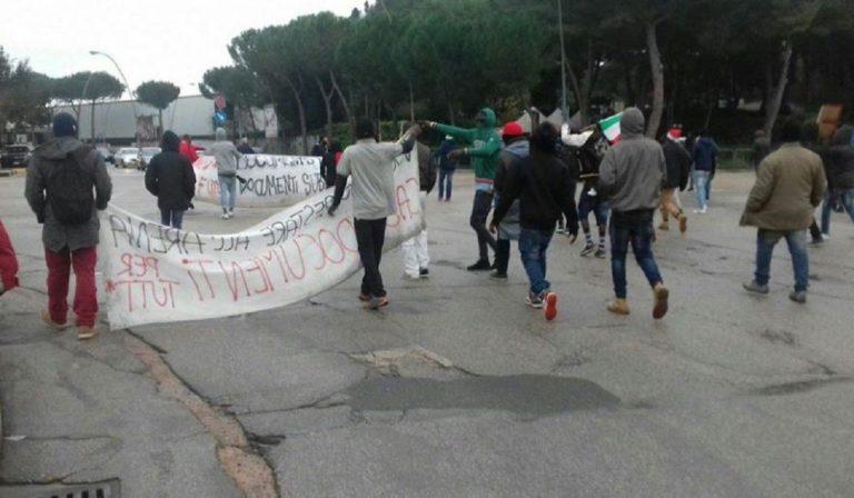 protesta migranti foggia