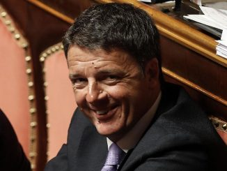 Scontro tra il Pd e Matteo Renzi su plastic e sugar tax