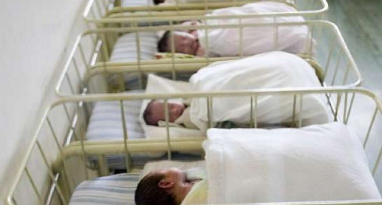 """Ruba neonata dall'ospedale: """"Non volevo dire a mio marito dell'aborto"""""""