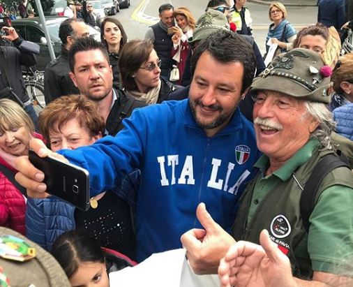salvini felpa italia prima delle europee