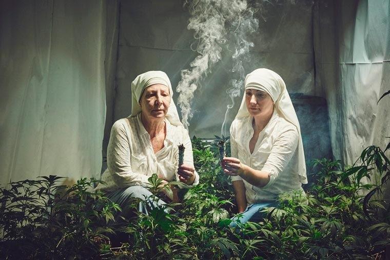Le Sorelle della Marijuana: la loro religione è l'erba